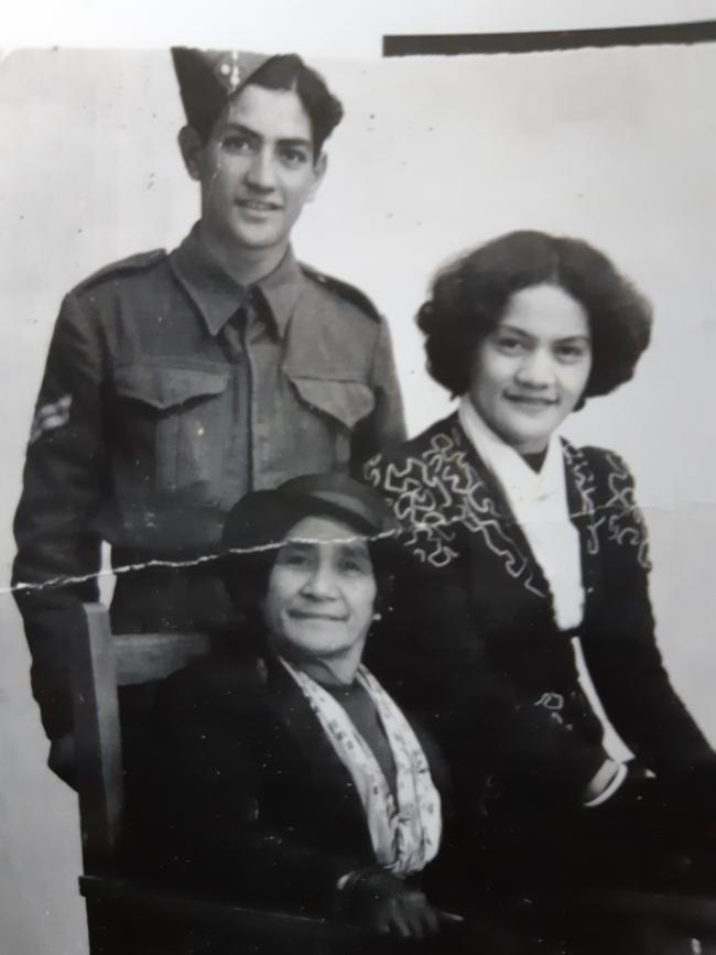 Percy Murphy and whānau
